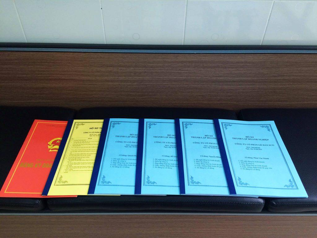 Bộ hồ sơ thành lập doanh nghiệp khách nhàng nhận được khi dùng dịch vụ đăng ký kinh doanh trọn gói tại Đồng Nai